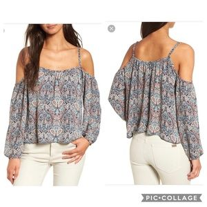 NWT Cupcakes & Cashmere Juliana cold shoulder top
